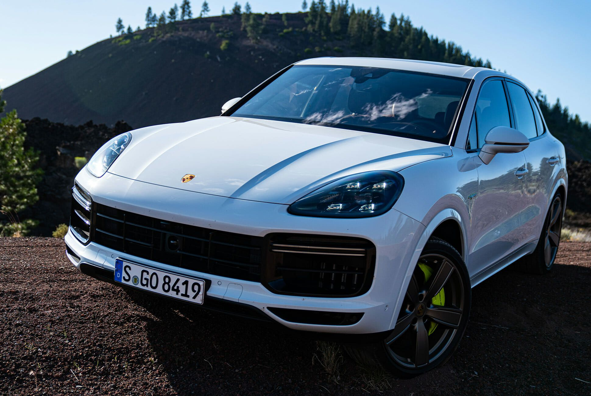 Pair-of-High-Tech-Porsche-Cayenne-Hybrids-gear-patrol-Lava-ambience-6