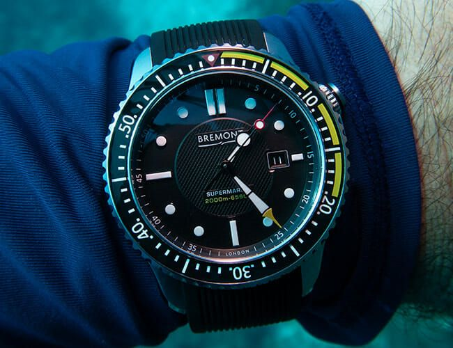 If You're Going to Scuba Dive with a Mechanical Watch, Do It with This One