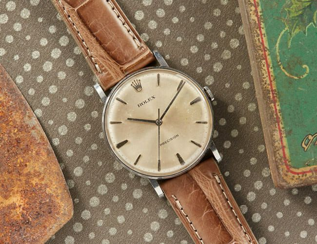 These Simple Vintage Watches Are Perfect for Fall Weather