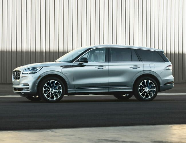 Range Rover Too Pricey? Buy a Lincoln Aviator Instead