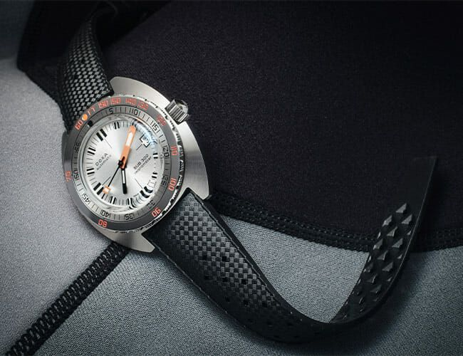 Tropic Strap on DOXA Diver