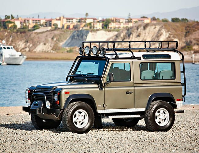 The Final Land Rover Defender Made for the U.S. Is Up for Auction—and It Won't Go Cheap