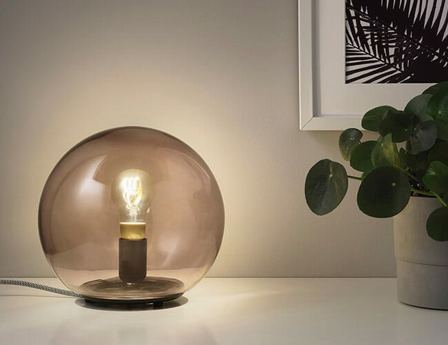 Buying Smart Light Bulbs for the First Time? Here's What You Need to Know