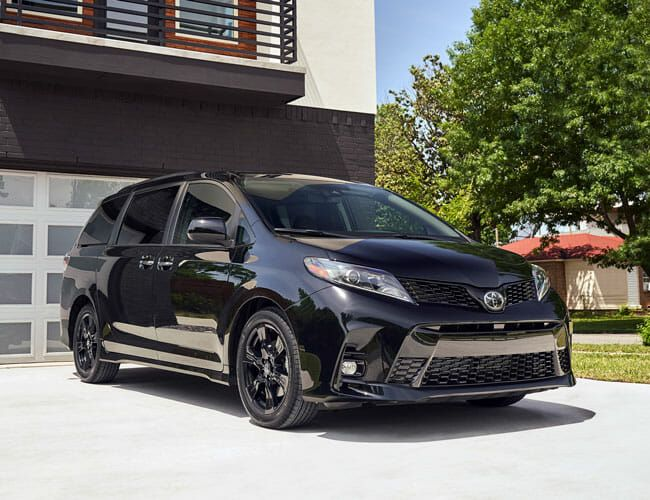 The Toyota Sienna May Be Old, But It Still Holds a Trump Card in the Minivan Game