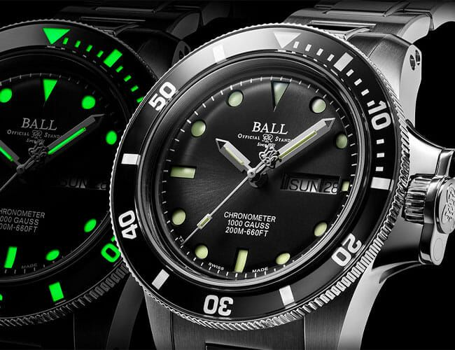 This Wonderfully Over-Engineered Dive Watch Takes a Novel Approach to Illumination