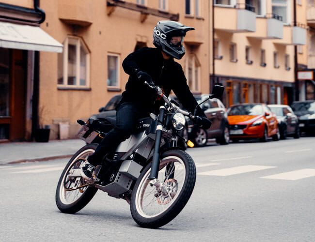 Cake's New Electric Motorcycle Is a Badass Street-Legal Dirt Bike