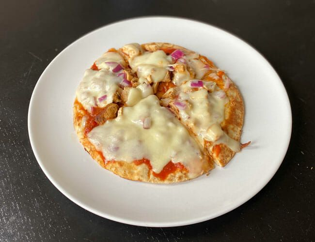 This Delicious Homemade Pizza Shreds Cheese — and Abs