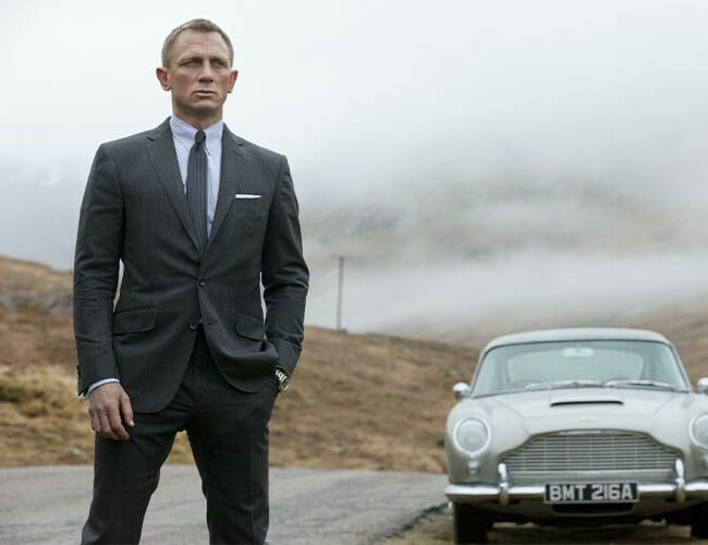 How to Get a Suit Like James Bond, According to the Experts