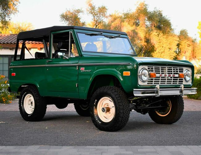 This Classic Ford Bronco Is Vintage SUV Perfection, and You Could Have It