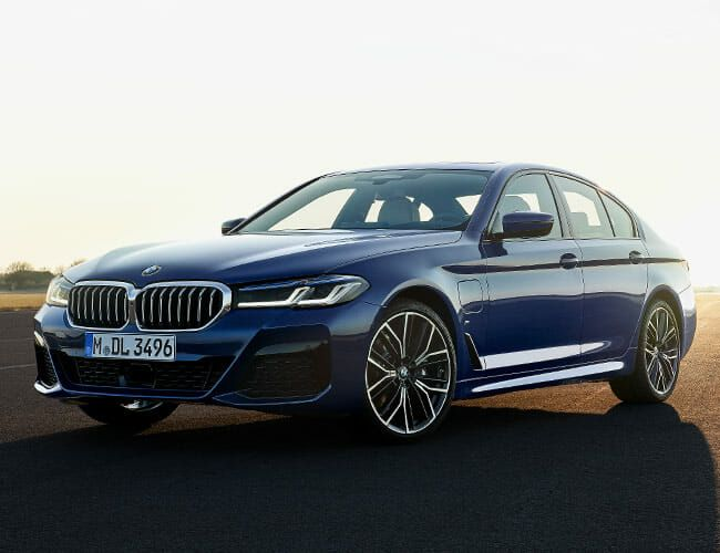 The BMW 5 Series's 2021 Facelift Avoids the Awkward Grille, Adds More Tech