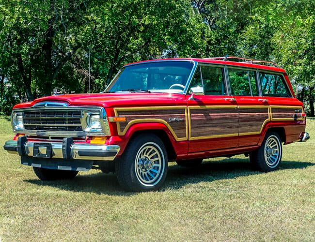 A Hellcat Engine Swap Makes This the Ultimate Jeep Grand Wagoneer