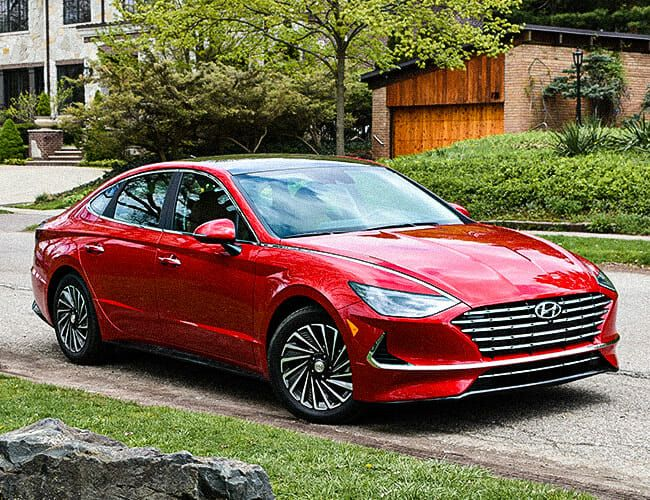 The 2020 Hyundai Sonata Hybrid Is the Kind of Car We Should All Be Driving