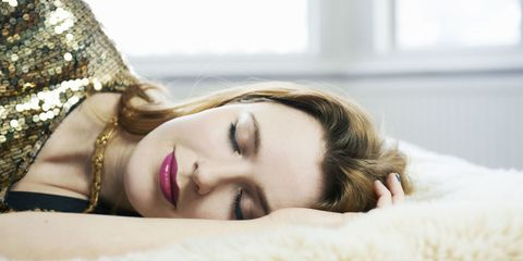 Bad Effects of Sleeping With Makeup - Why You Should Take Off Makeup Before Going to Bed