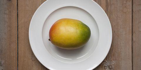 Serveware, Dishware, Food, Fruit, Plate, Produce, Ingredient, Tableware, Natural foods, Ataulfo,
