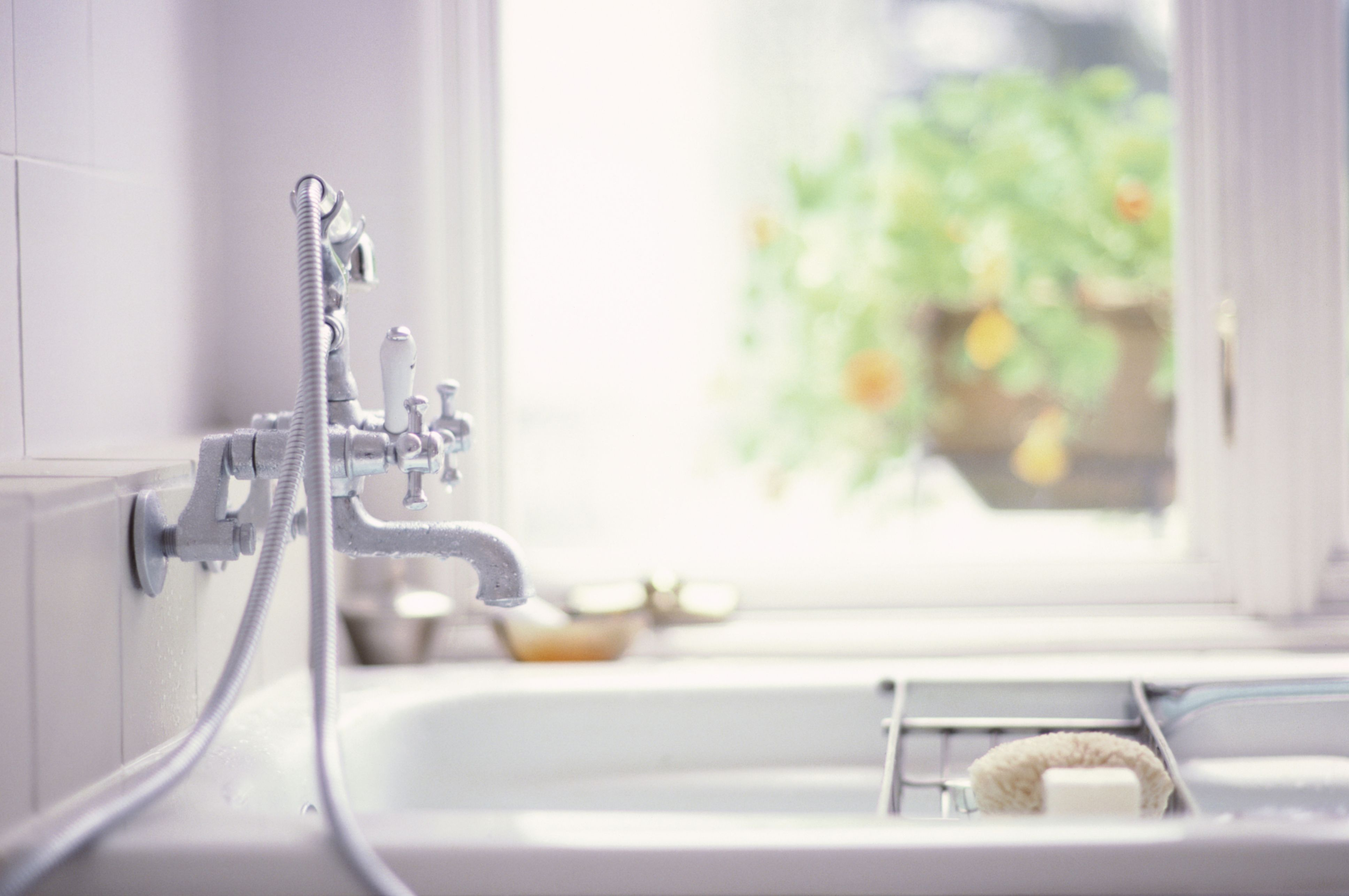 Cleaning Your Bathroom - Bathroom Cleaning Mistakes