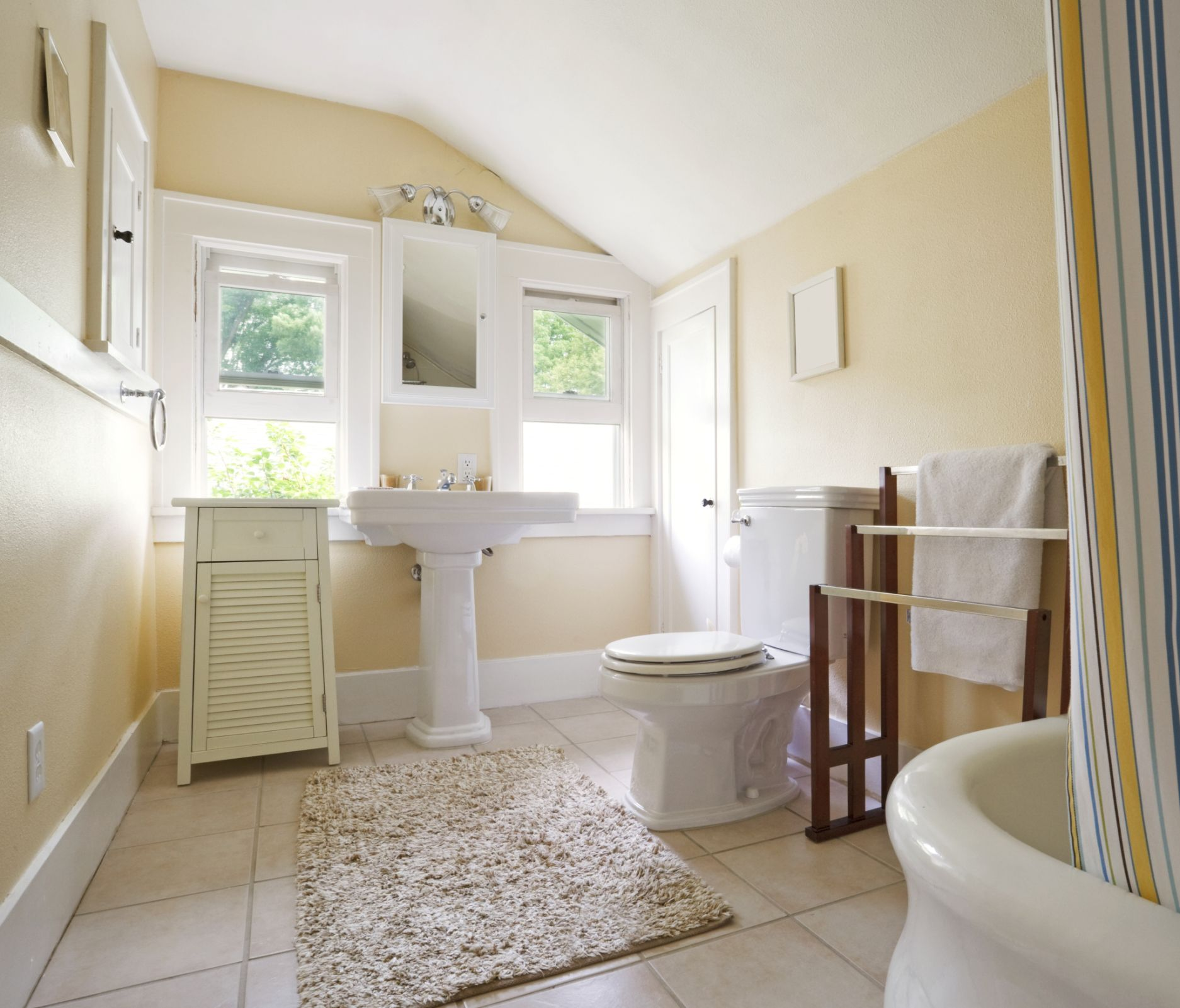 Keep Bathroom Clean Longer - Bathroom Cleaning Tips