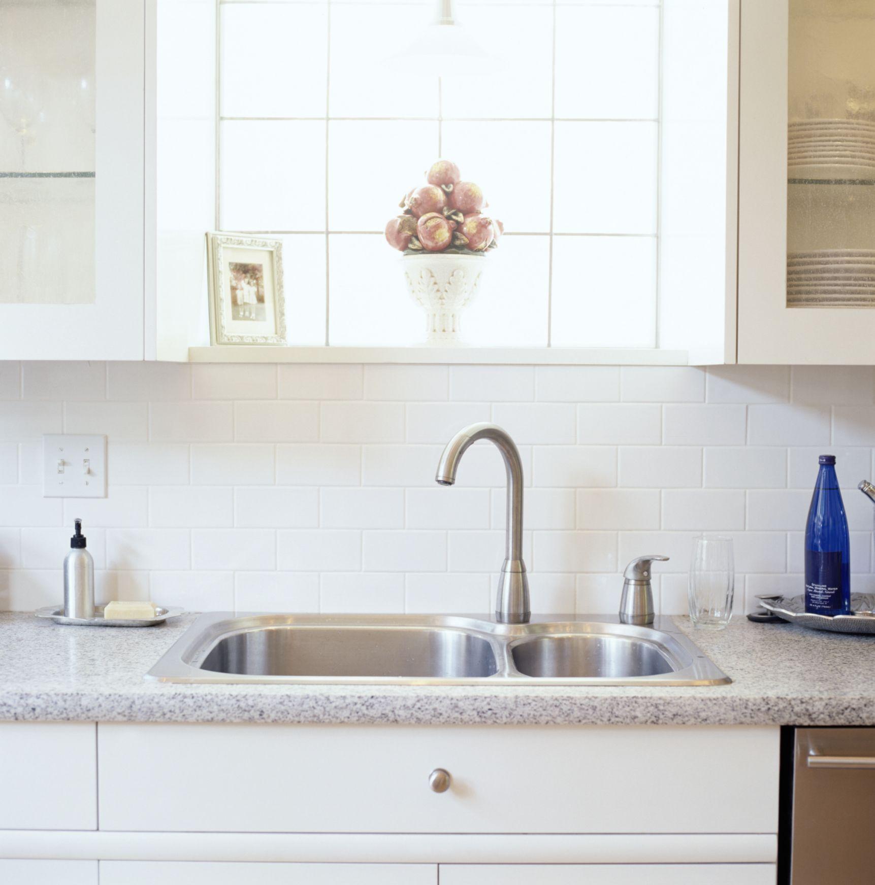 Kitchen Cleaning Tips - Clean Kitchen Sink