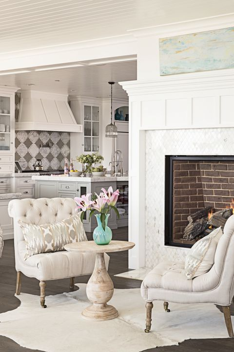 beach house living room fireplace
