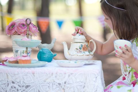 How to Throw a Princess Tea Party - Themed Kids' Birthday ...