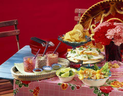 Food, Serveware, Table, Dishware, Cuisine, Tableware, Meal, Furniture, Tablecloth, Linens,
