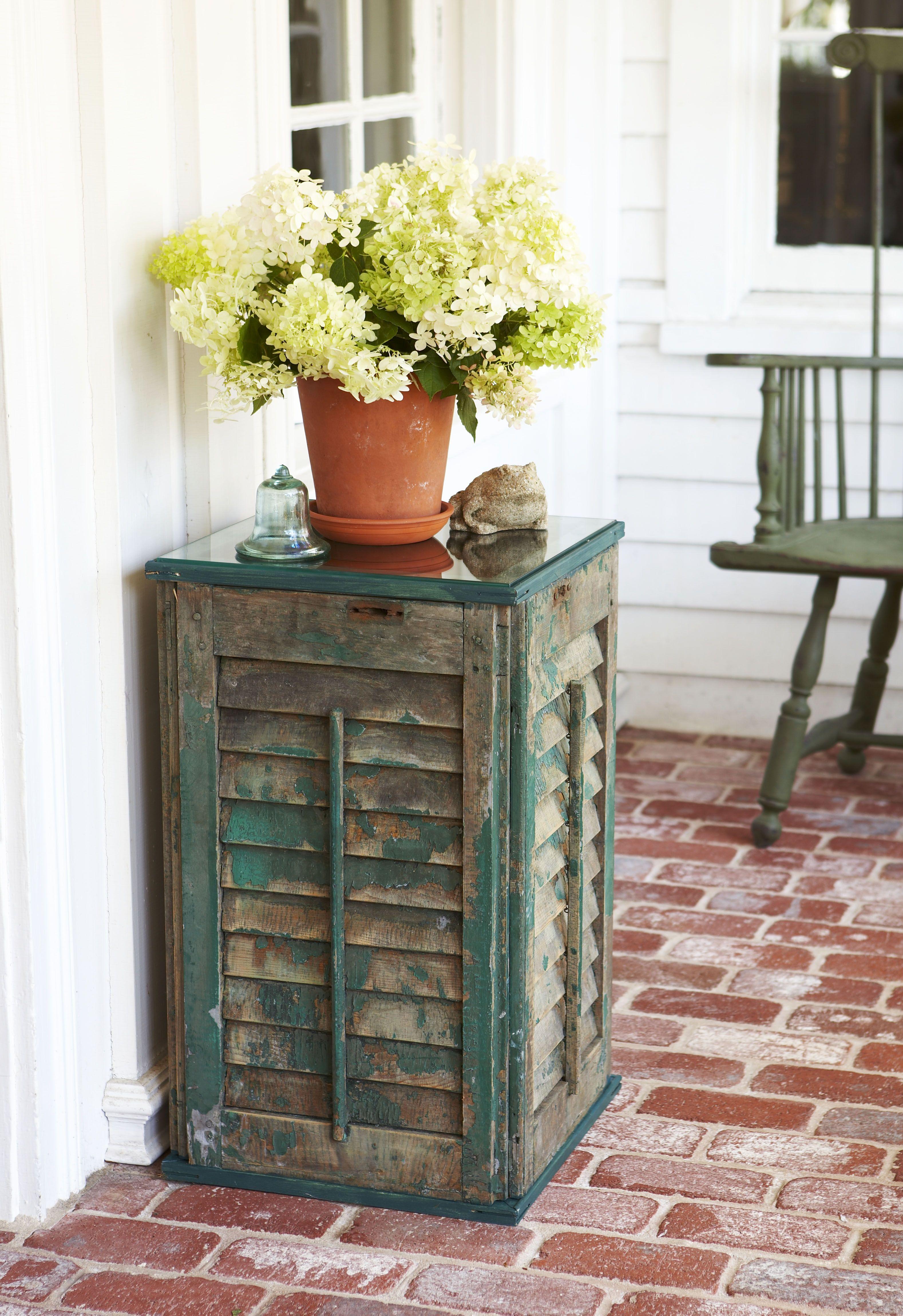 Nice Shutter Side Table   DIY Home Decor
