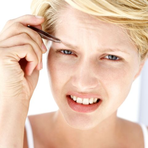Eyebrow Plucking Tips - How to Make Plucking Your Brows Less Painful