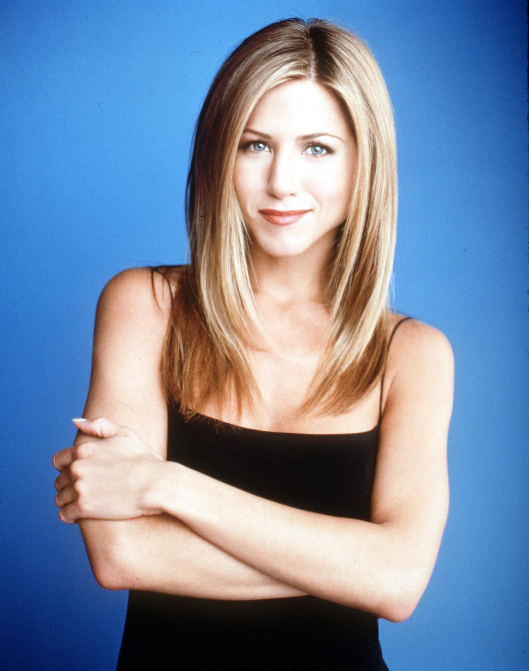 Jennifer Aniston Hair Evolution Timeline Of Jen Anistons Hairstyles