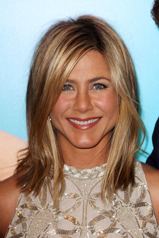 Jennifer Aniston Hair Evolution Timeline Of Jen Anistons Hairstyles