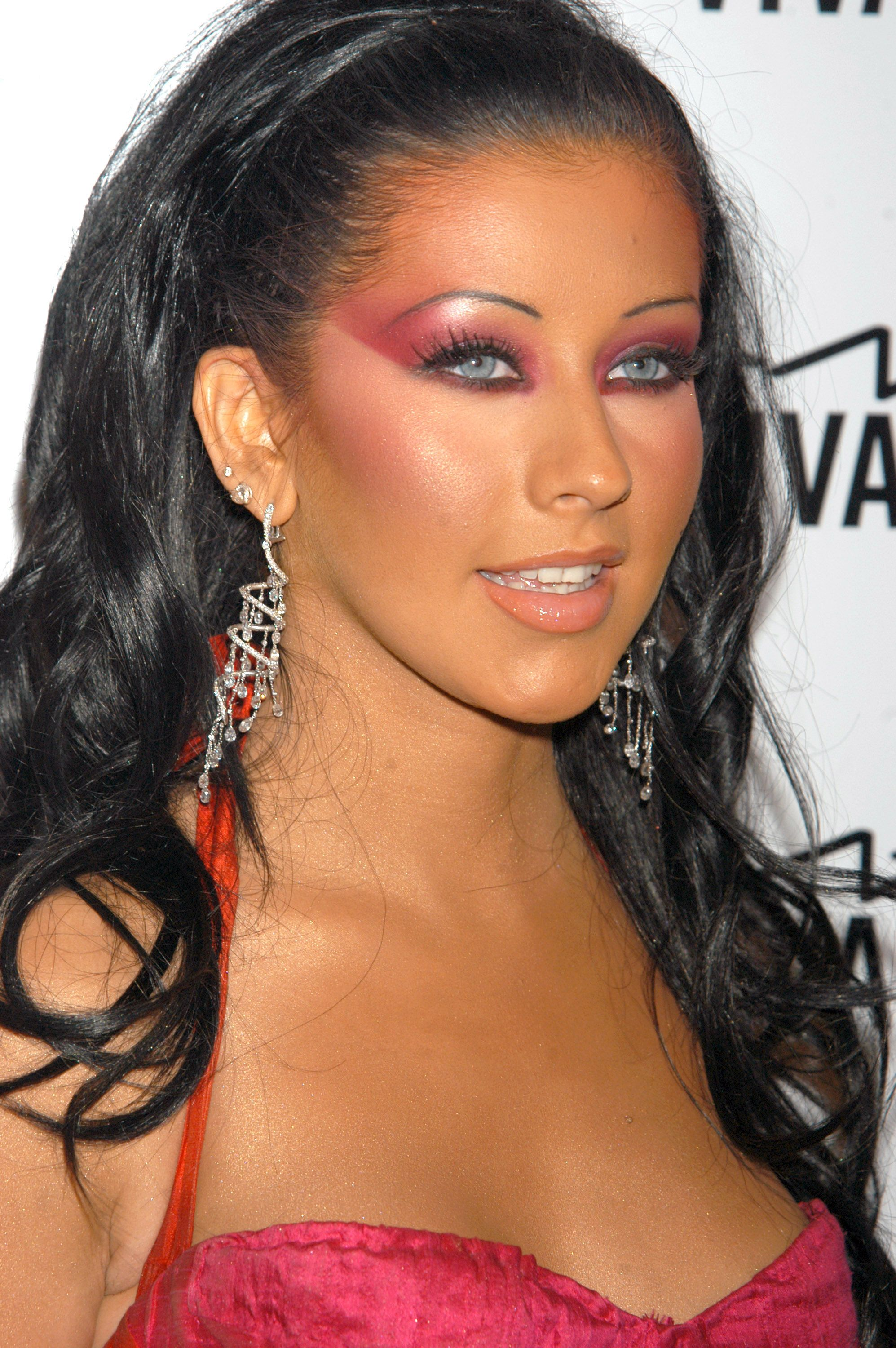 2000s Beauty Trends - Hairstyles and Makeup Trends from the 2000s