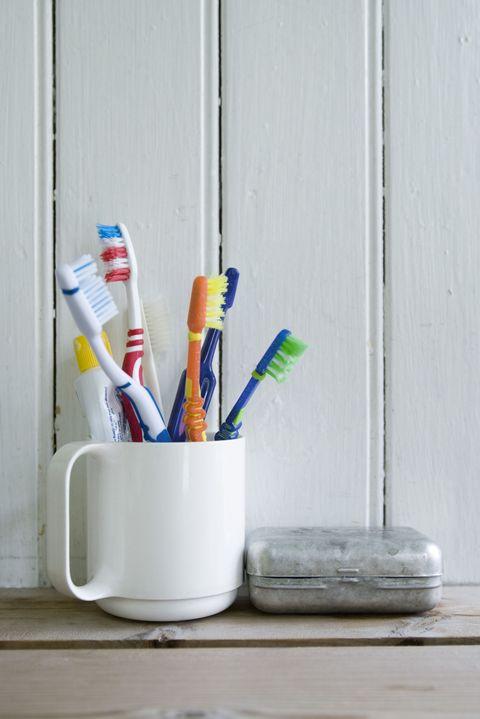 Sharing Toothbrushes