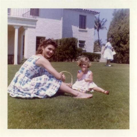 Jackie O's Maternity Dress and Unreleased Family Photos Up for