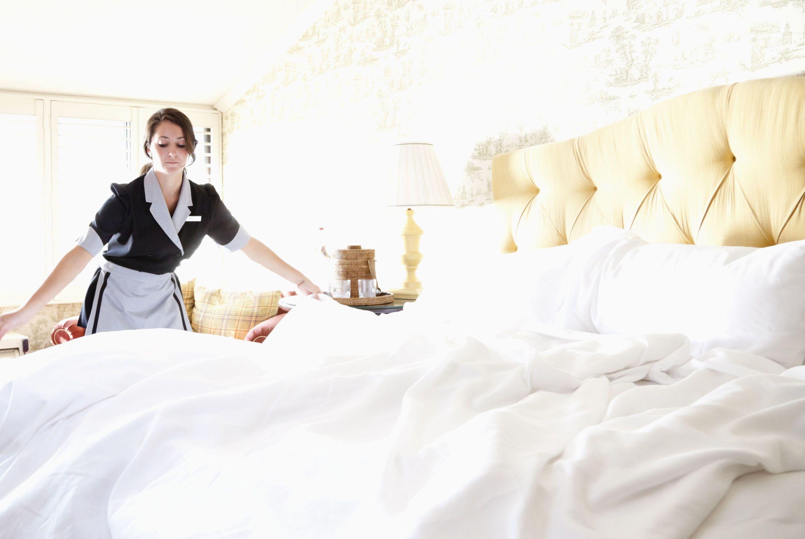 Lesbian Room Service Girl Pics