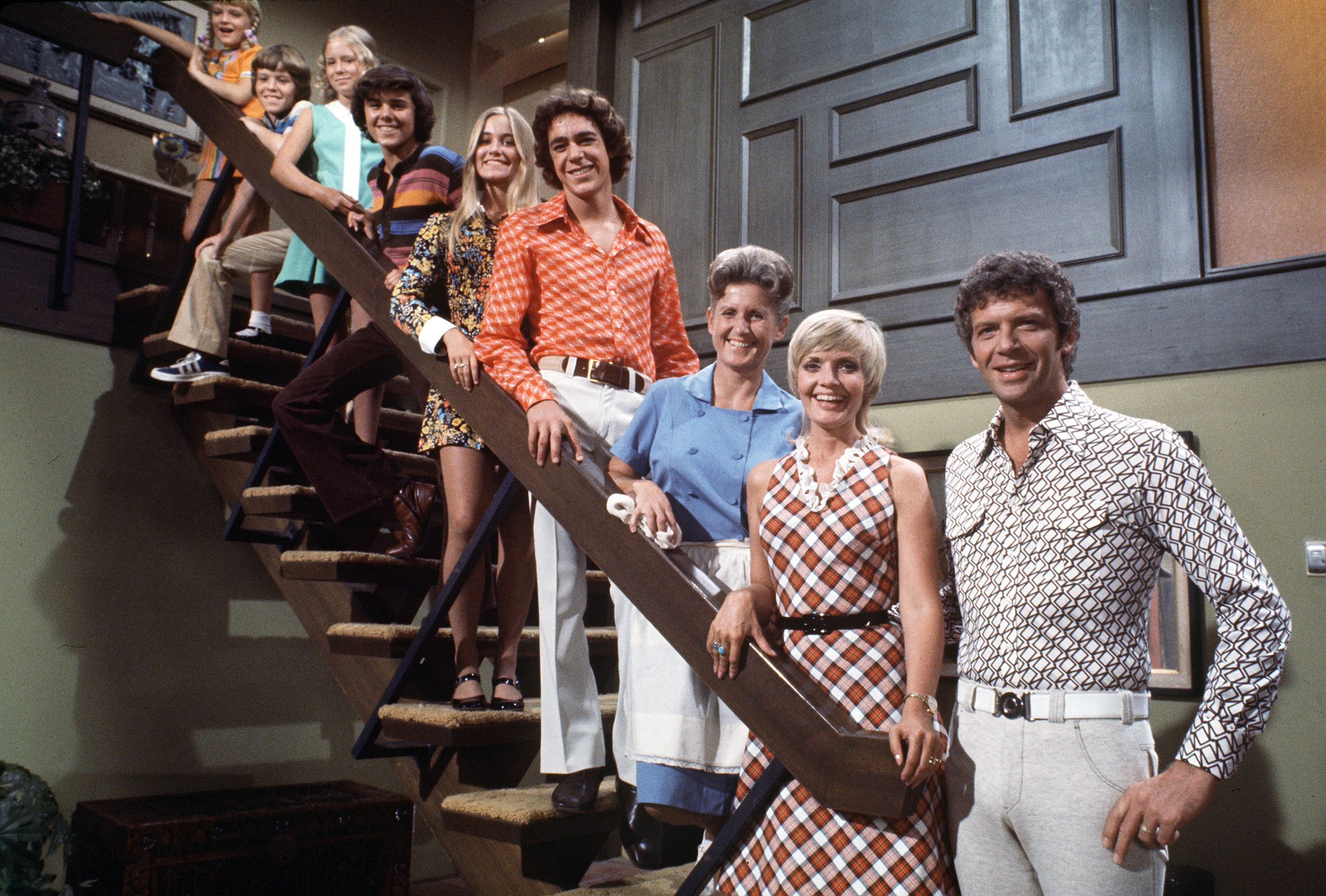 10 Quirks You Never Noticed About Classic TV Sitcom Homes