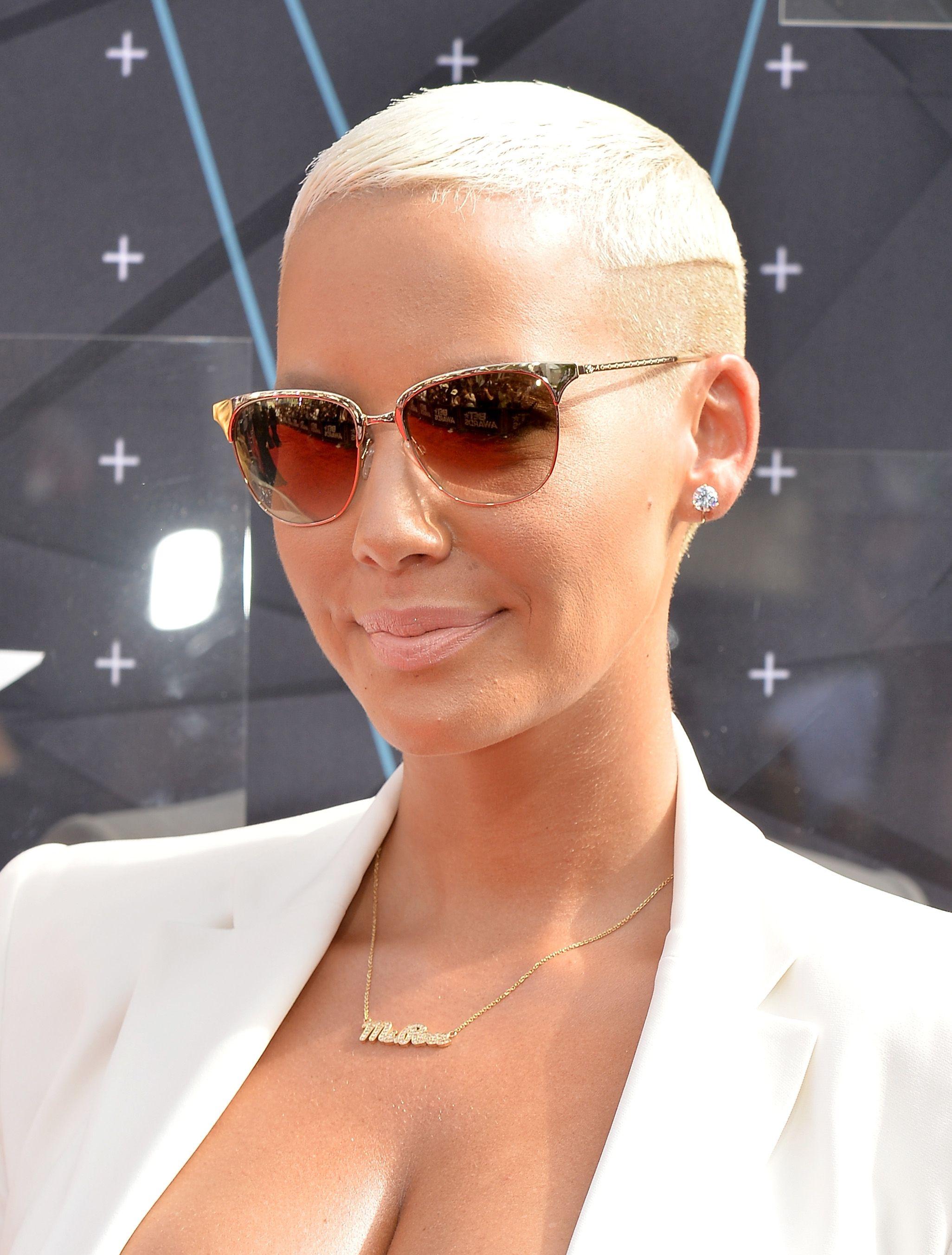 Cringe: Gwyneth Paltrow is Selling 1,695 Rap-ThemedClutches