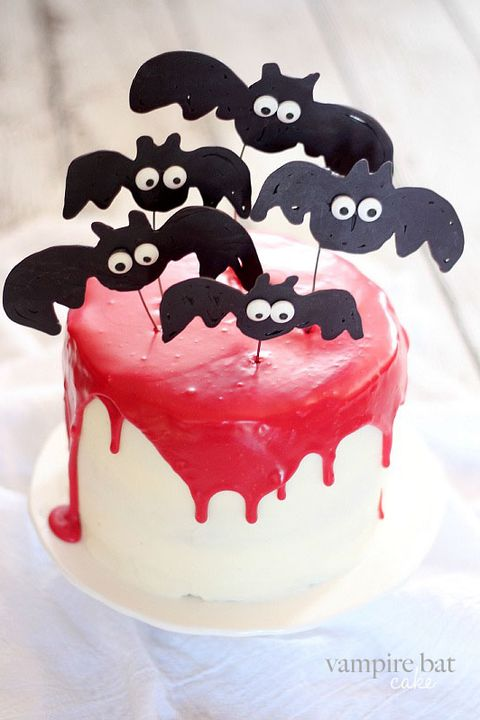 Excellent 33 Spooky Halloween Cakes Easy Halloween Cake Ideas Funny Birthday Cards Online Inifofree Goldxyz