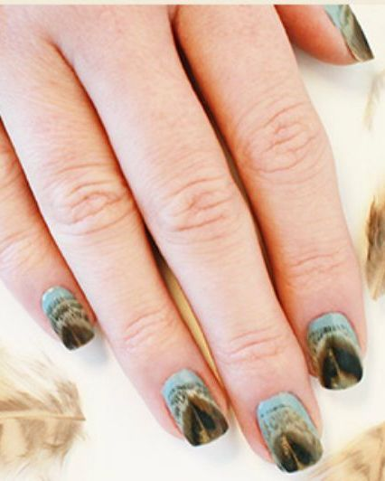 Real Feathers Fall Nail Design