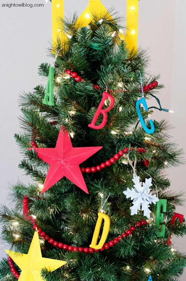 34 unique christmas tree decorations 2018 ideas for decorating your christmas tree - Christmas Tree Decorations For Kids