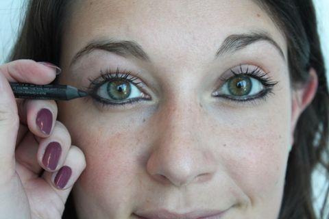 Finger, Lip, Brown, Skin, Eye, Eyelash, Forehead, Eyebrow, Nail, Purple,