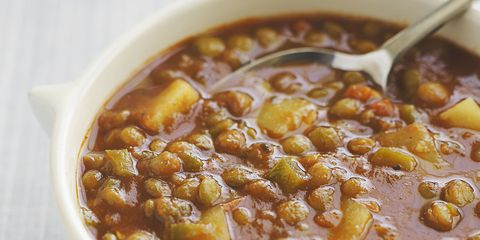 ghk_1015_molly_ringwald_mom-mom_lentil_soup