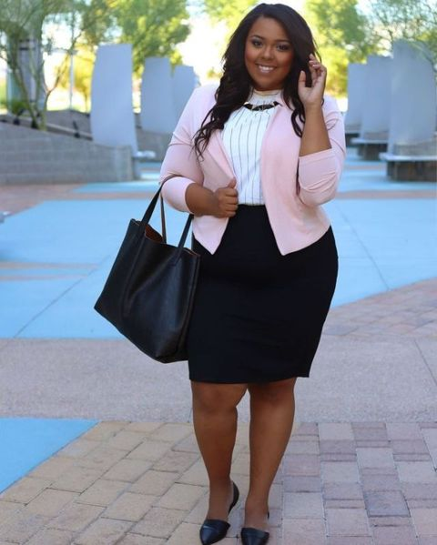 34b9be4d2 23 Plus-Size Outfit Ideas for Fall - Plus-Size Style Inspiration