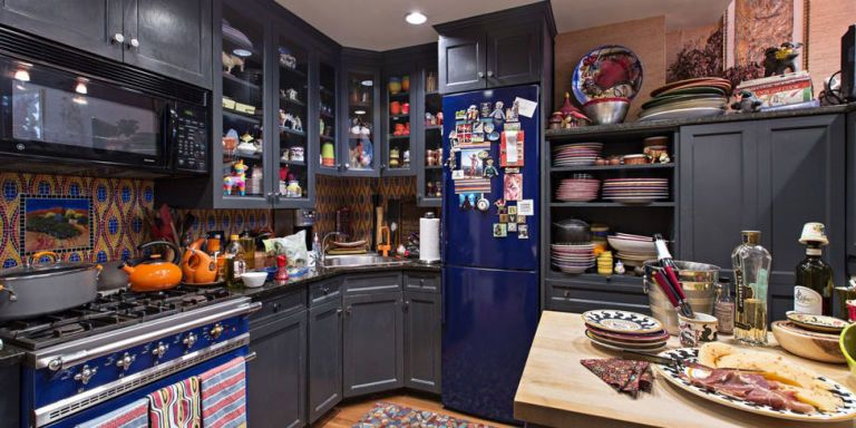 Rachael Ray Home Tour Rachael Ray S Small Kitchen In New York City