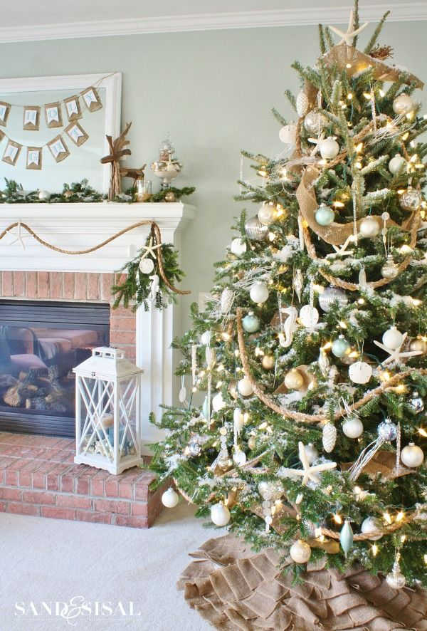 Holiday trees to decorate your home all year holiday tree diy publicscrutiny Gallery