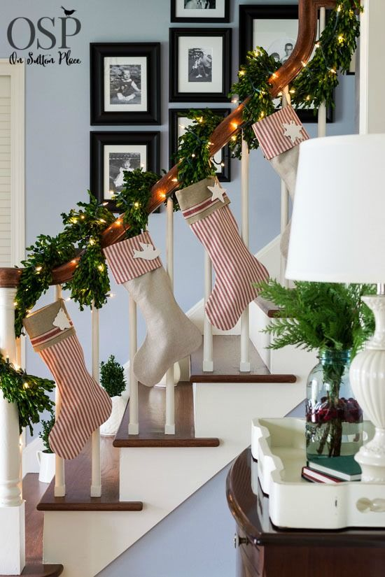 70 diy christmas decorations easy christmas decorating ideas - Homes Decorated For Christmas On The Inside