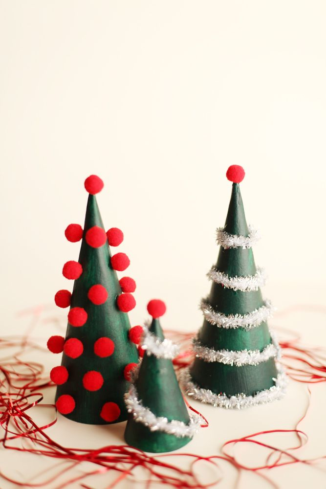 40 diy christmas table decorations and settings centerpieces ideas for your christmas table