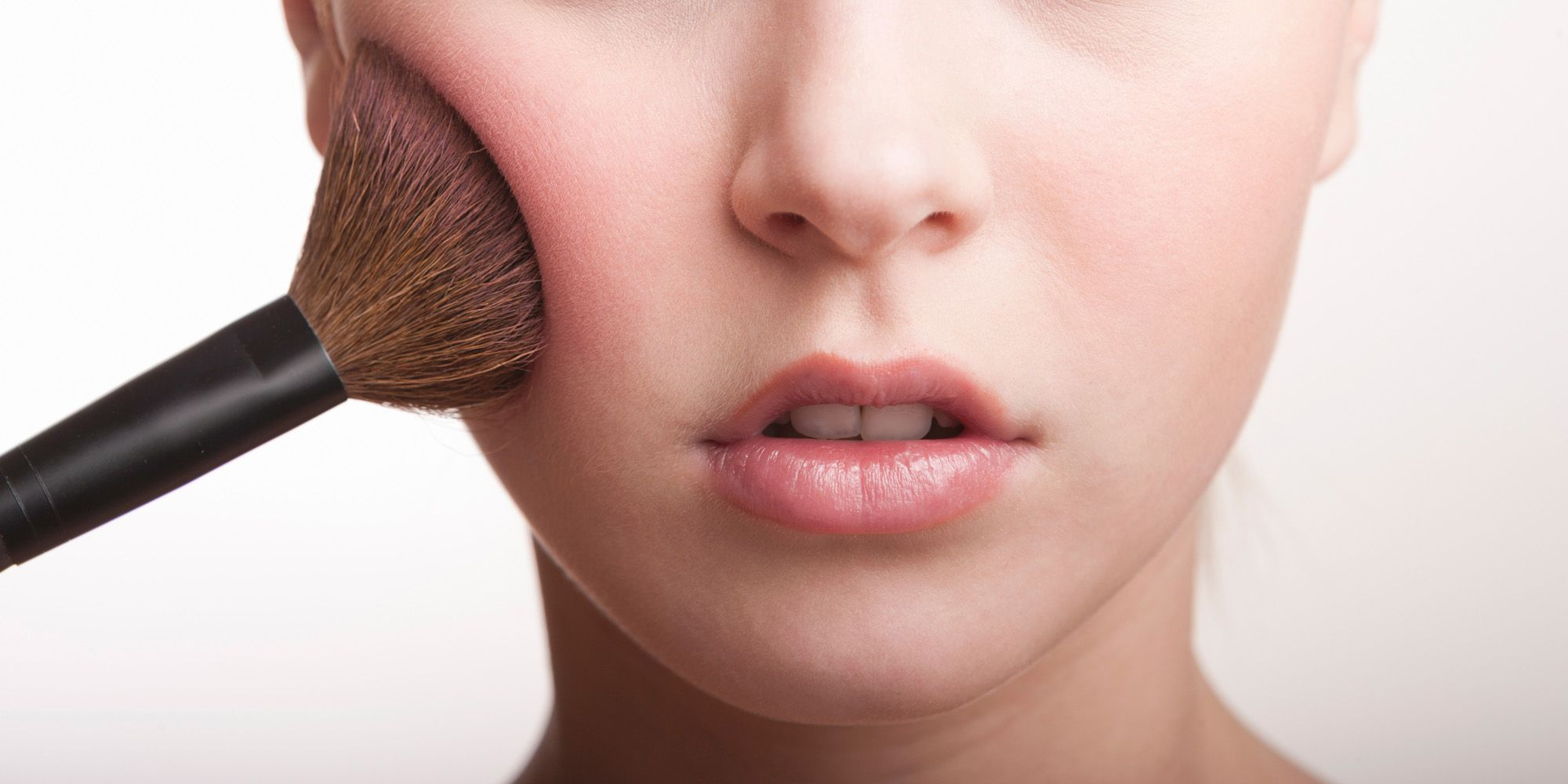 9 Dangers Of Using Dirty Makeup Brushes Why You Need To Clean Makeup Brushes