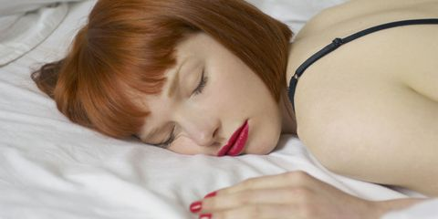 6 Awful Things That Happen When You Sleep in Your Makeup