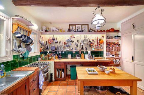 Lighting, Room, Wood, Interior design, Countertop, Furniture, Ceiling, Table, Interior design, Cupboard,