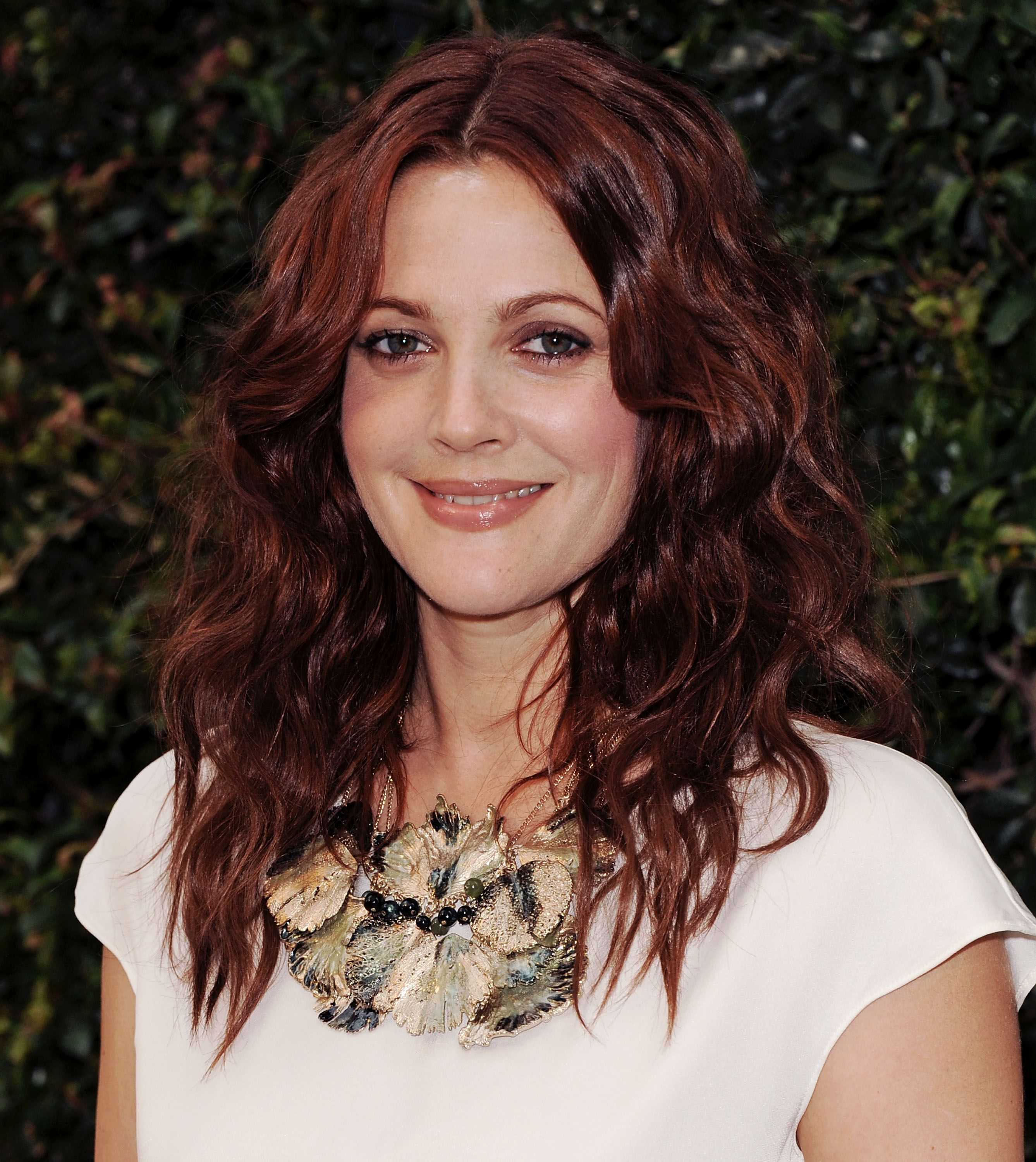 17 Burgundy Hair Color Ideas Celebrity Burgundy Hairstyles