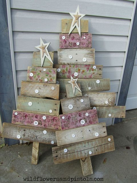 image - Pallet Christmas Decoration Ideas