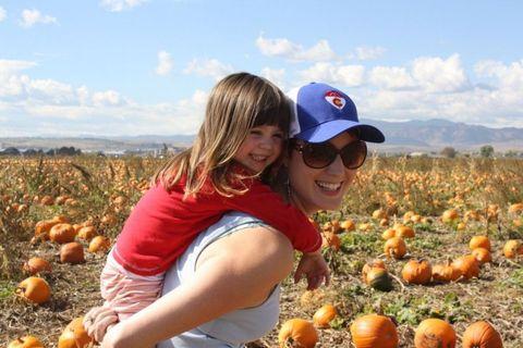 Cap, Calabaza, Squash, Produce, Sunglasses, Vegetable, Local food, Natural foods, Pumpkin, Winter squash,